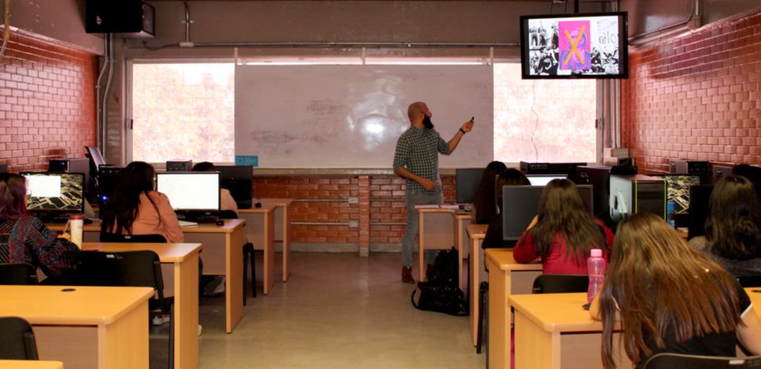 Darwin Fornés Báez. Diseñador cubano. Conferencia para estudiantes de Diseño UNAM. Clase de Benjamín Becerra.