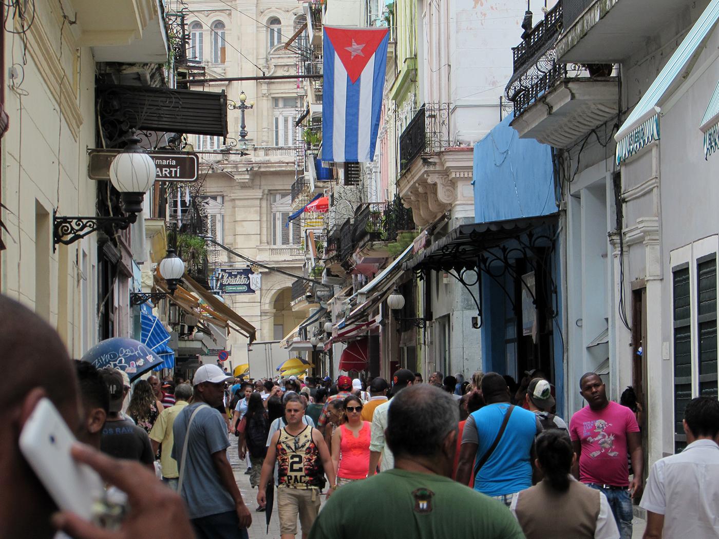 Cuba. Calle Obispo.